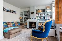 tastefully furnished sitting room of London Ensor Mews luxury apartment and vacation rental