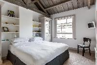 cool, spacious bedroom in London Ensor Mews luxury apartment