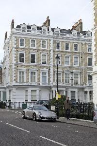 awesome surroundings of London Ensor Mews luxury apartment in South Ken