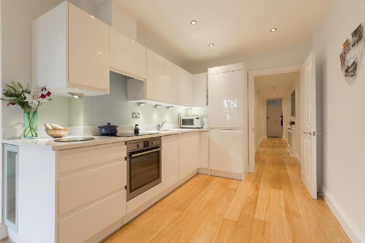 beautiful modern kitchen of London Drayton Gardens III luxury apartment