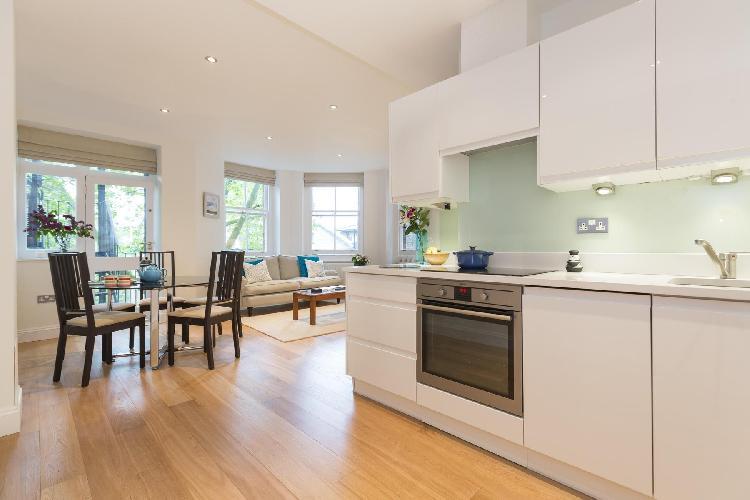beautiful London Drayton Gardens III luxury apartment and vacation rental in South Kensington near G