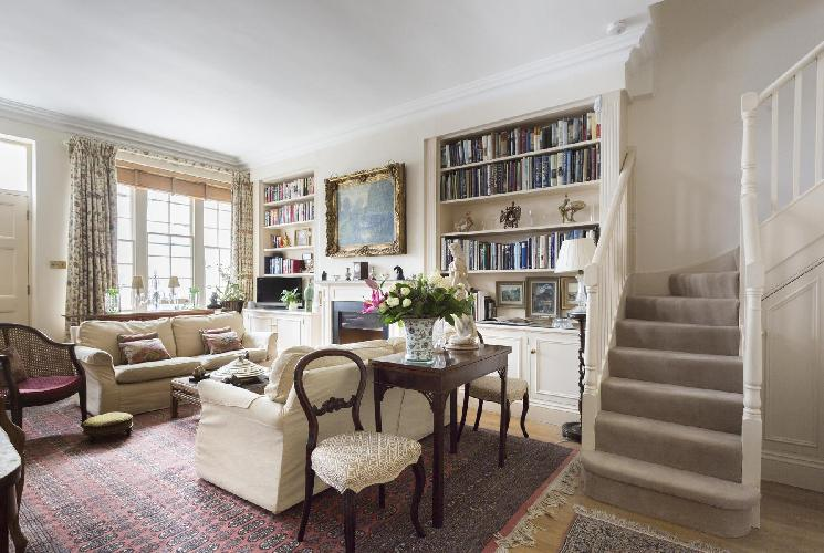 exquisite London Petersham Place luxury apartment and vacation rental