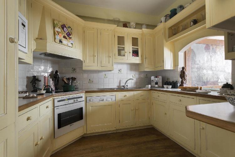 fully furnished London Petersham Place luxury apartment
