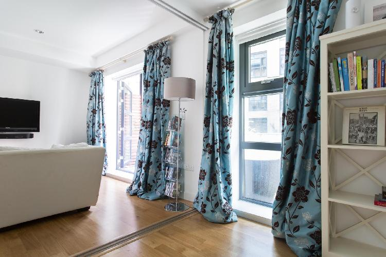 charming and chic London Blandford Street II luxury apartment and vacation rental