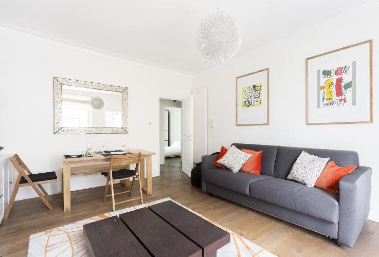 chic and charming London Colville Road III luxury apartment and holiday home