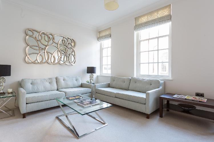 chic London Kensington Church Walk luxury apartment and vacation rental