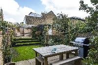 furnished garden of London Albion Road luxury apartment