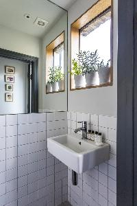 neat lavatory in London Albion Road luxury apartment
