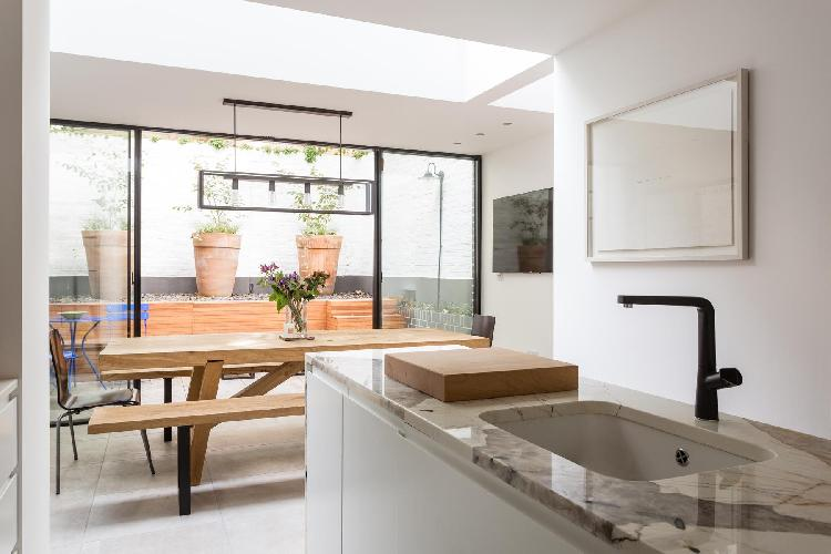 sunny and airy London Thanet Street luxury apartment