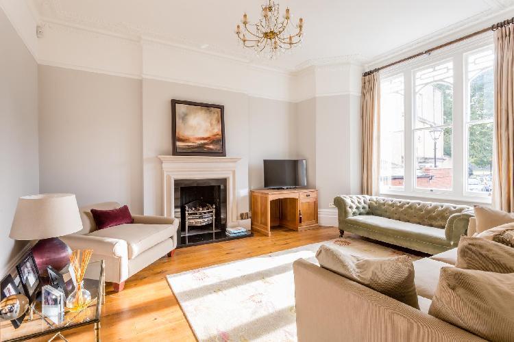 lovely London Old Palace Lane luxury apartment