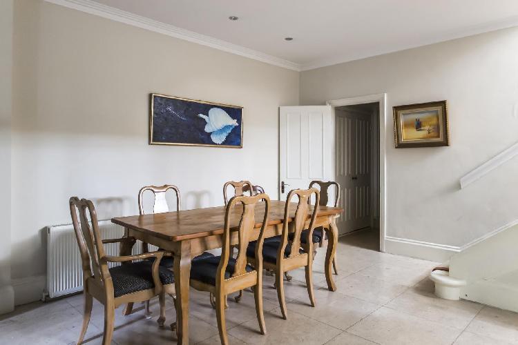 delightful dining room of London Sloane Gardens luxury apartment