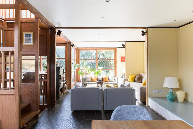 beautiful London Orleston Mews luxury apartment and holiday home