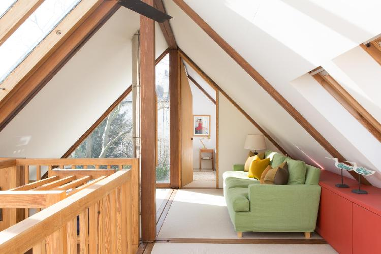 awesome shed ceiling of London Orleston Mews luxury apartment