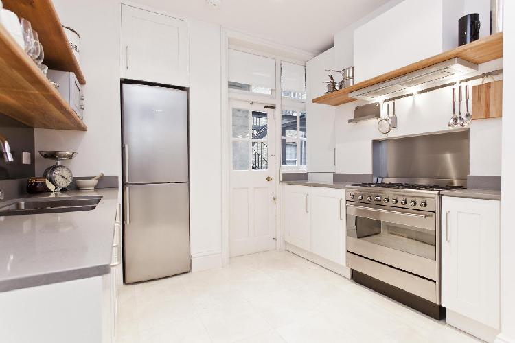 spacious, well-appointed kitchen of London Dorset Square luxury apartment