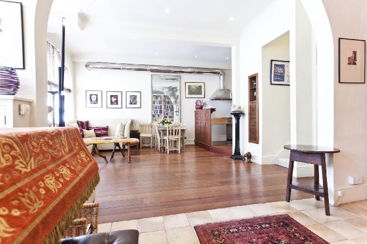 exquisite London Queen's Gate Mews luxury apartment and vacation rental