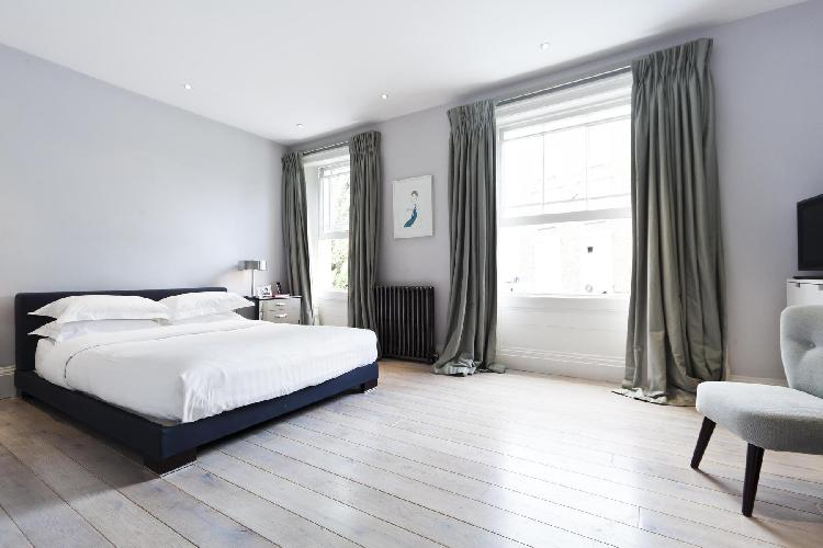 spacious London Westbourne Park Road luxury apartment
