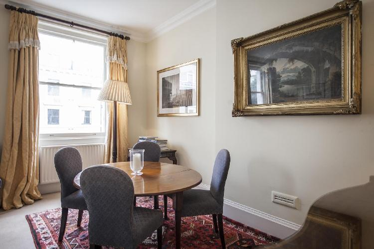 cozy dining area of London Elvaston Place luxury apartment and vacation rental