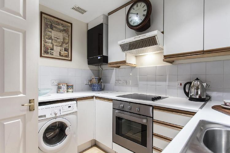 charming kitchen accents in London Elvaston Place luxury apartment