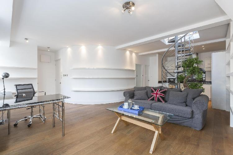 serene and swanky London Berners Street luxury apartment and holiday home