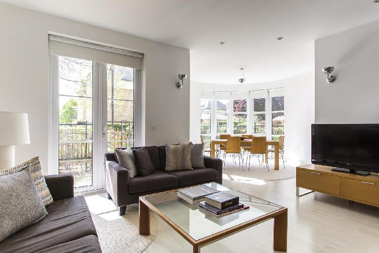 beautiful London Melliss Avenue luxury apartment and vacation rental