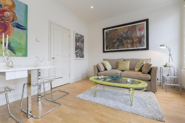 beautiful London Oakley Street luxury apartment and holiday home