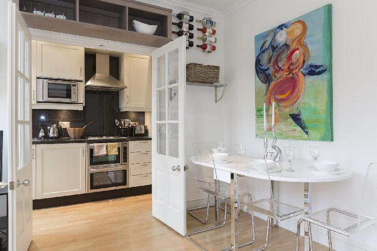 cool London Oakley Street luxury apartment and vacation rental