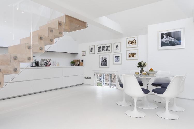 cool whitewashed walls of London Ladbroke Road luxury apartment