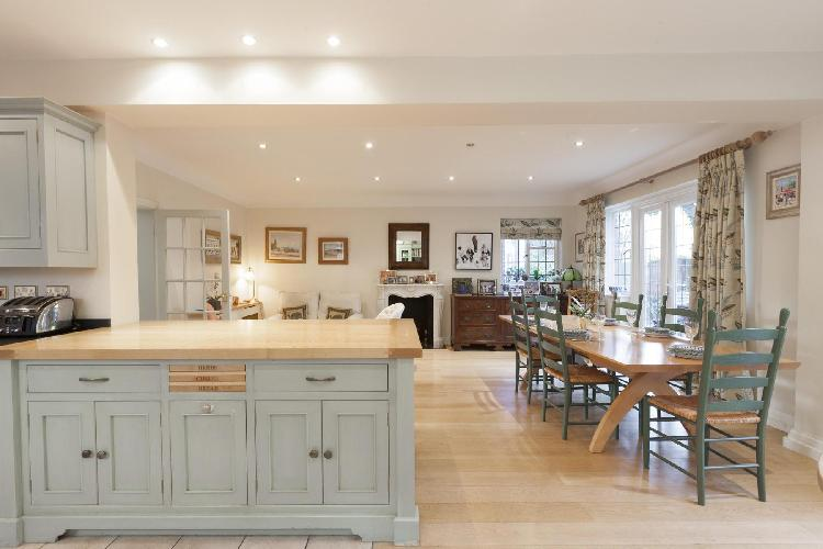 beautiful London Inner Park Road luxury apartment and vacation rental