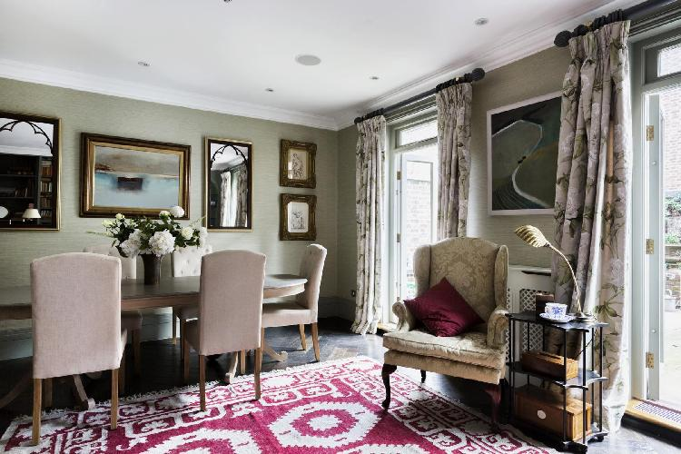 chic and charming London Belgravia Place luxury apartment and vacation rental