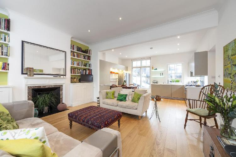 bright and breezy London Crawford Street luxury apartment and holiday home