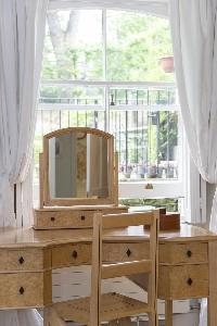 charming dressing table in London Alwyne Place luxury apartment