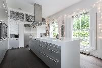 island in the kitchen of London Alwyne Place luxury apartment