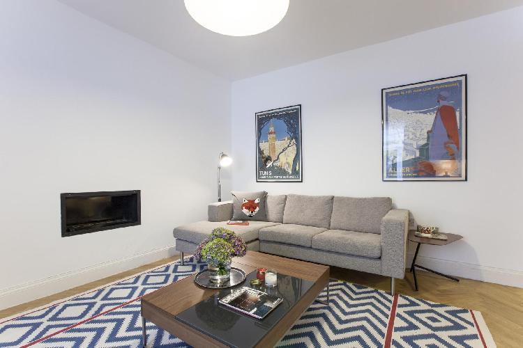 cheerful and chic London Ossington Street luxury apartment