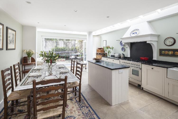 awesome London Winchendon Road luxury apartment and holiday home