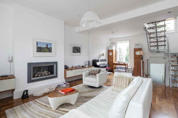 beautiful London Gayton Road luxury apartment and holiday home