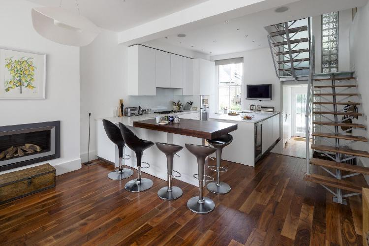 charming breakfast bar of London Gayton Road luxury apartment