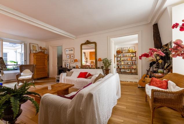 elegant Paris - Rue Montmartre II luxury apartment and vacation rental