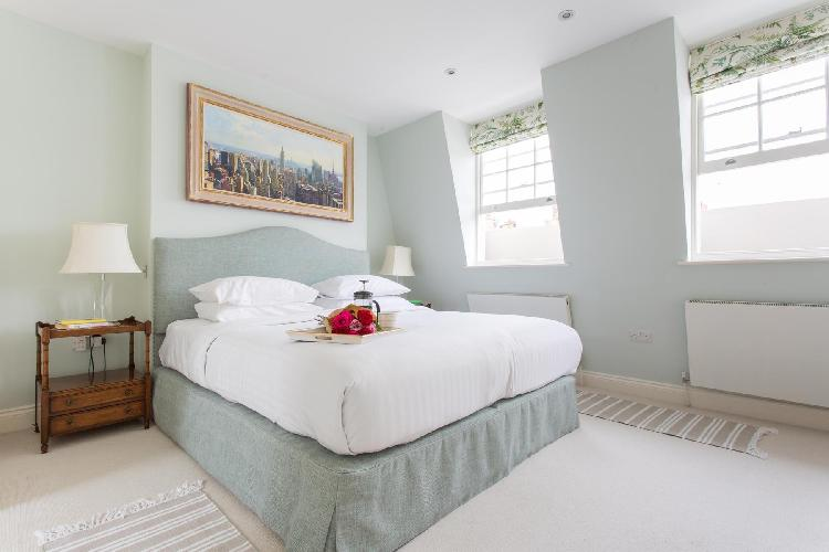 lovely bedroom in London Hasker Street luxury apartment