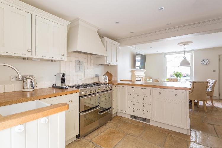 spacious modern kitchen of London Kinnerton Street luxury apartment