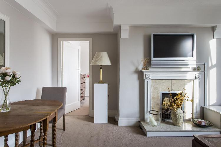 charming dining area in London Sutton Lane North luxury apartment