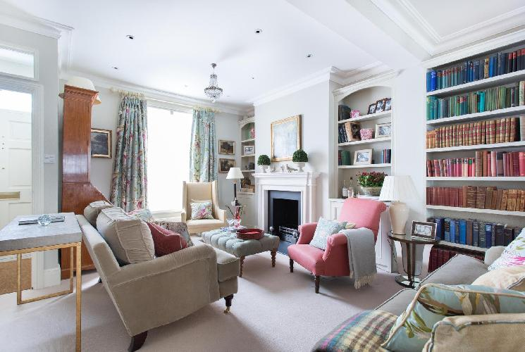 charming sitting area in London Hillgate Place luxury apartment