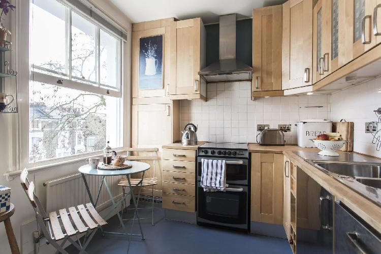 fully furnished London Parkhill Road luxury apartment
