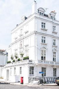 landmarks near London Beaufort Gardens luxury apartment