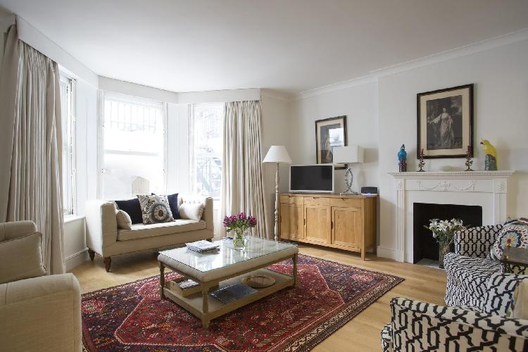 charming London Beaufort Gardens luxury apartment
