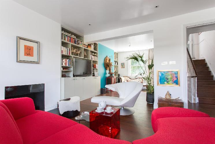 pretty and perky multilevel London Coningham Road II luxury apartment and vacation rental