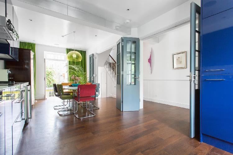 perky and pretty multilevel London Coningham Road II luxury apartment and holiday home