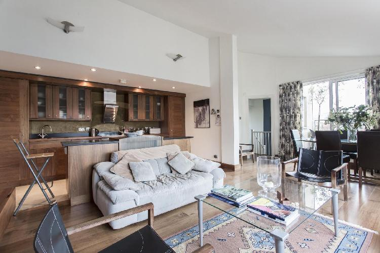 lovely London Lambs Conduit Street luxury apartment and holiday home