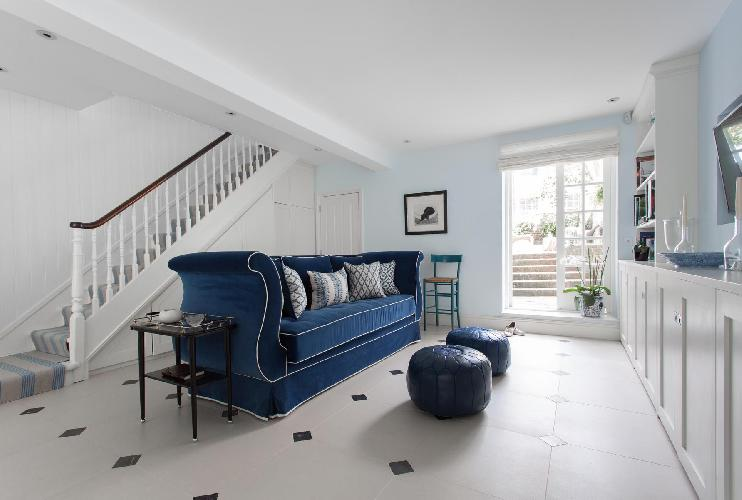 bright and breezy multilevel London Bramerton Street II luxury apartment and vacation rental