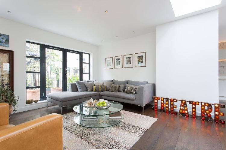 beautiful London Hatton Place luxury apartment and holiday home