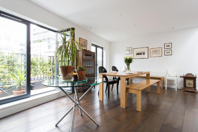 bright and breezy dining room of London Hatton Place luxury apartment